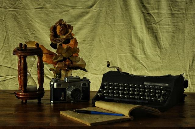 Dacă Iubești Un Scriitor, vei deveni nemuritor