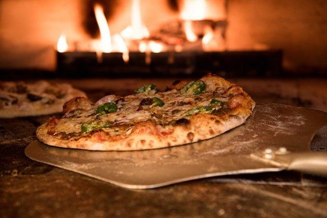 pizza cu livreare la domiciliu