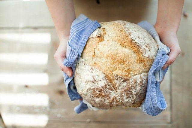 🥖 Mașină de făcut pâine și fata de oraș. O idilă de câteva zile